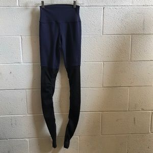 Alo Yoga blue and black legging, sz s, 59316